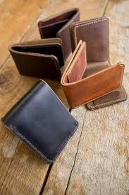 hand stitched horween leather bifold wallet in natural dublin