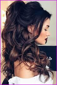 Coiffure Cheveux Long Avec Boucles Simple 2018 25071 Idée