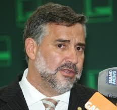 Resultado de imagem para deputado paulo pimenta