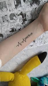 водостойкая временная татуировка с изображением кардиограммы