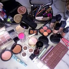 ariana grande makeup artist kit