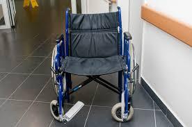 Жизнь без барьеров аэропорт Минска стал удобнее для инвалидов Недоступная среда приспособлен ли Петербург для инвалидов