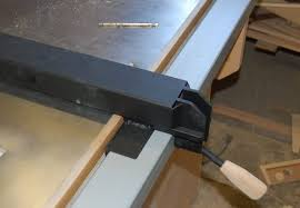 diy table saw fence. the fence has drilled and tapped holes in each side of front angle for set screws but i haven\u0027t had to put them - did a really good job diy table saw