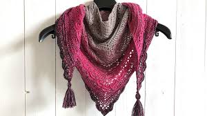 Free Triangle Scarf Crochet Pattern