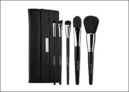 brush sets are great for people who actually use them every day and who make a conscious effort to apply makeup correctly however i am not one of those