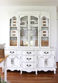 paint furniture whiteSummery White Chalk Paint Furniture Makeovers
