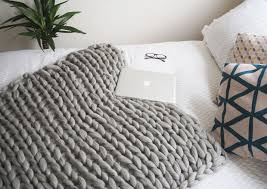 Arm Knit Blanket Pattern Magnificent Easy DIY Chunky Throw Blankets The Budget Decorator