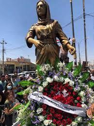 """العراق.. نصب تمثال لأول امرأة إيزيدية تقتل """"أميرا"""" في """"داعش"""" - RT Arabic"""