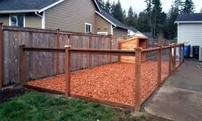 outstanding dog kennel fencing best ideas about and run on kennels pen inexpensive backyard dog run ideas backyard kennel elegant best and pen