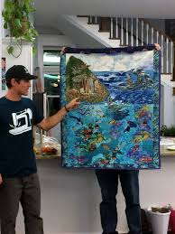 Surf's Up Retreat – Man Sewing & The first Seascapes quilt I ever did, I've come a long ways! Adamdwight.com