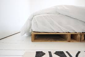 diy pallet bed frame