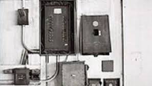 how does a fuse panel work a fuse box is a metal type box that consists of fuses that regulate and control electrical currents throughout a home or building structure