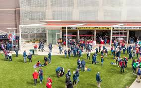 Target Field Food What To Eat At A Twins Game 2019 Mpls