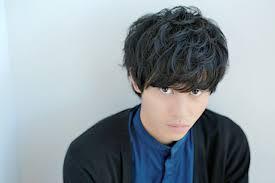 山崎賢人の髪型の特徴作り方やセット方法ショートパーマ トレンドの