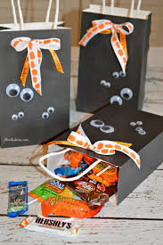 best halloween candy bags ideas diy halloween create these fun halloween craft diy ghost halloween treat bags