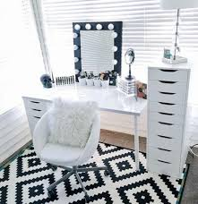 Black And White Makeup Organizers