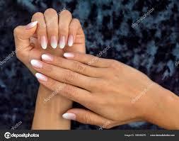 Nehty Krásná žena Krásným Francouzská Manikúra Ombre Broskev Bílá