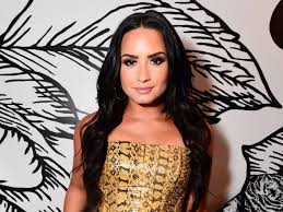 demi lovato was one of several celebrities to go makeup free this year