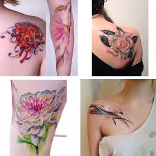 Tatuaggi Il Trend Dei Mini Tattoos E I Tatuatori Più Richiesti Al