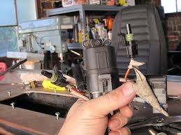 howell tbi fuel pump relay wiring jeepforum com i just want to verify which side goes to which i would assume that the red wire connects to battery 12v and the orange side goes to the fuel pump