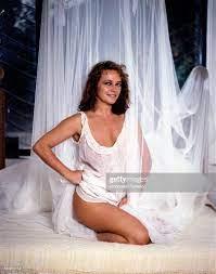 Portrait of Italian actress Laura Antonelli in a seductive pose. 1989  Nachrichtenfoto - Getty Images