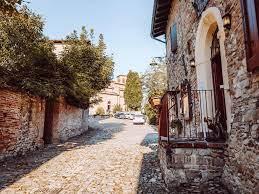 Alla scoperta dell'Abbazia di Monteveglio e del suo borgo – Cappellacci a  Merenda