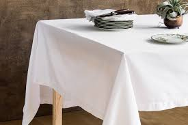 our pick williams sonoma hotel dinner napkin and tablecloth