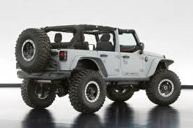 2018 jeep wrangler unlimited there is a special metal bar shielding the engine from any sort of damages that can be caused by plunging an automobile or