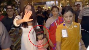 aishwarya rai bachchan protects scared daughter aaradhya from paparazzi