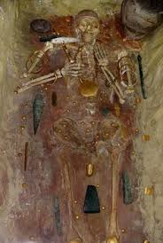 stone age treres weren t all about silver and gold a tomb from the varna necropolis in bulgaria circa 4600 bc conns the world s oldest gold jewelry
