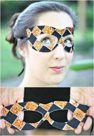 easy diy black and gold mask