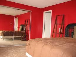 How to paint a wall in red