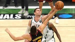 How Brook Lopez, Bucks bludgeoned Hawks ...