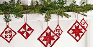 Mini Quilt Ornaments for Christmas Cheer - Quilting Digest & Mini Quilt Christmas Ornaments Adamdwight.com