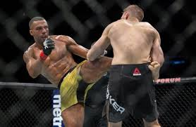 It was a kicks galore. Edson Barboza Brutalizes Dan Hooker Before Finishing With Third Round Knockout Mmanytt Com