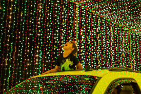 Peoria Az Christmas Lights Famous Christmas Lights Show Comes To Glendales Westgate
