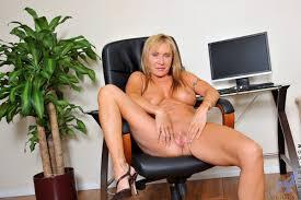 Mature Ladies Sex and MILF Pics Fantasize about Anilos Luna a.