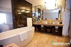 bathroom suite mandarin: best hotel bathrooms in las vegas mandarin oriental las vegas oystercomau