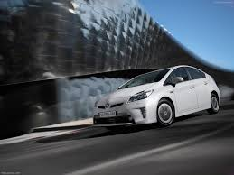 Review: 2013 Toyota Prius Plug-In | Autofluence