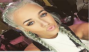 lottie tomlinson has just landed one of a job working as a makeup artist for selena gomez