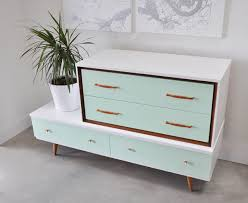 Diy modern vintage furniture makeover Redo Homedit Midcentury Modern Dressers Get Custom Diy Makeovers