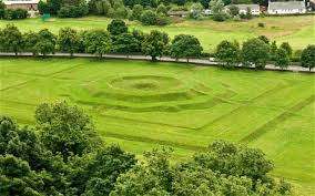 archaeologists searching for king arthur s round table have found a circular feature beneath the historic king s knot in stirling