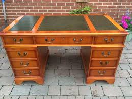 antique style leather top cherry wood writing desk chesterfield free uk p p