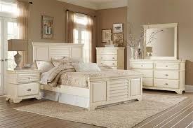 Laurinda Cottage Antique White Wood Master Bedroom Set | Bedrooms ...