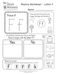 Free, printable phonics worksheets to develop strong language skills. Free Printable Letter F Beginning Sounds Phonics Worksheet For Preschool