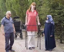 Dünyanın en uzun boylu kadını Rümeysa Gelgi, Guinness Rekorlar Kitabı'na  girdi - Son Dakika Dünya Haberleri | NTV H