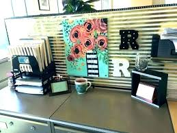 ideas to decorate office desk. Work Cubicle Decor Decorate Office Desk Best Accessories Ideas . To F