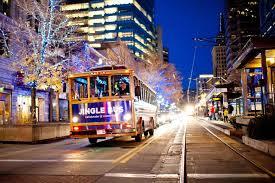 Downtown Milwaukee Christmas Lights Jingle Bus Offers Tour Of Downtown Milwaukees Sights And
