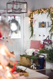 holiday home decor for every nook and cranny holiday entryway from the craftberry bush blog