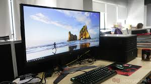 lg 144hz monitor. the lg 34uc79g is a 34-inch, 21:9 curved gaming monitor \u2013 it has 3800r curvature with 144hz native refresh rate. on top of that, also offers amd lg 144hz